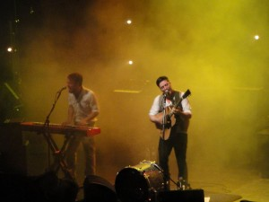 Mumford & Sons. | Photo courtesy of Editor5807 via Wikimedia Commons
